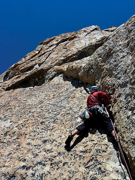 Mountain Guide Falls To Death While Guiding the 13,770